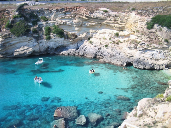 Escursioni in barca nel Salento: alla scoperta delle grotte più belle