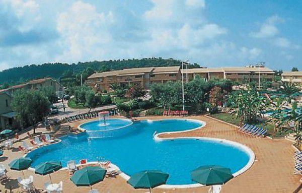 Villaggio con piscina in Salento