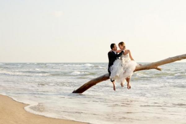 Matrimonio in spiaggia in Salento: finalmente si può!